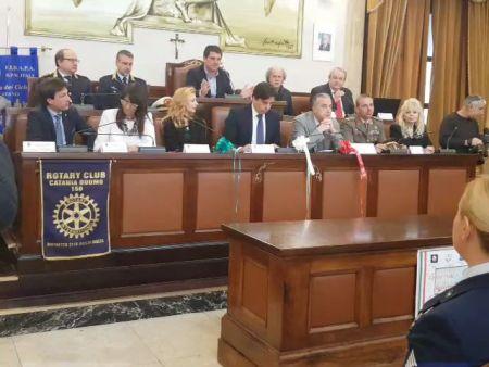 Polizia, 60 anni di donne in divisa, una festa corale al Comune di Catania per celebrare l'anniversario di fondazione della Polizia femminile