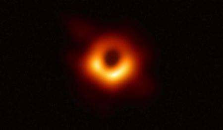 La prima immagine di un buco nero, a Città della Scienza conferenza del prof. Luciano Rezzolla