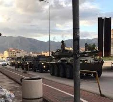 A Palermo carri armati in strada, ma il Coronavirus non c'entra