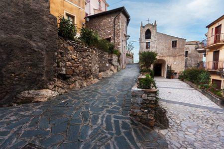 Pietracupa borgo di eccellenza nel Molise, che si incontra con quelli siciliani, in particolare il mitico  Castelmola