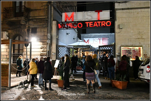 """Raccolta dal Must di Catania la manifestazione """"Facciamo luce sul teatro"""" proposta dall'U.N.I.T.A. assieme alle associazioni """"Nora 3.0"""", """"La Casa di Creta"""", """"Teatro Argentum Potabile"""" e """"Tre passi dalle ragazze"""""""