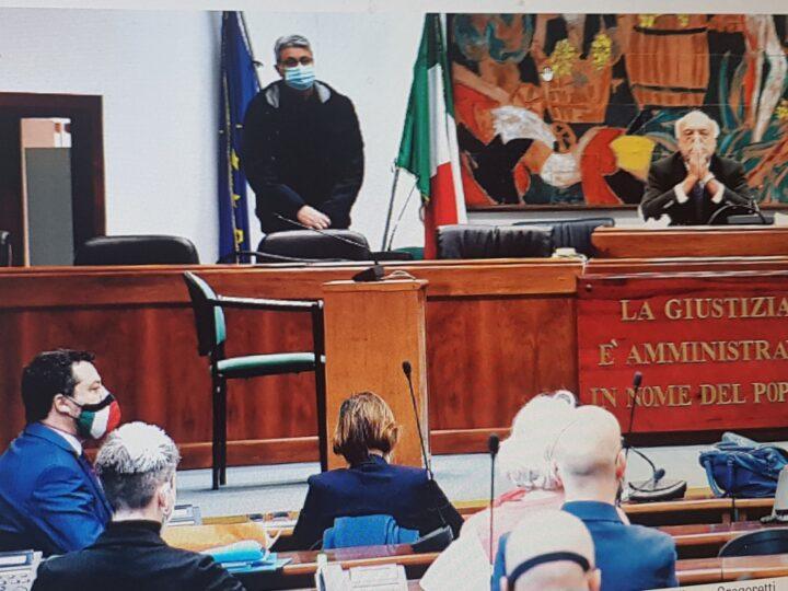 """La Procura di Catania ha chiesto il non luogo a procedere per l'ex ministro dell'Interno Salvini. Il Pm """"non c'è reato, scelte condivise dal governo e non è stata violata alcuna convenzione internazionale"""". Decisione finale al Gup Sarpietro il 14 maggio"""