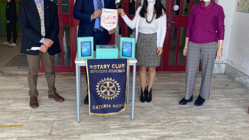 """Il Rotary """"Catania Nord"""" dona tablet per DAD all'ICS """"Giovanni Falcone"""" di San Giovanni la Punta"""