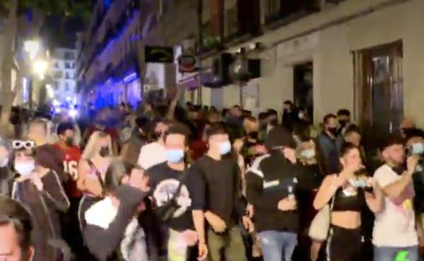 In Spagna è finito lo stato d'emergenza. Scoppia la festa a Madrid e Barcellona