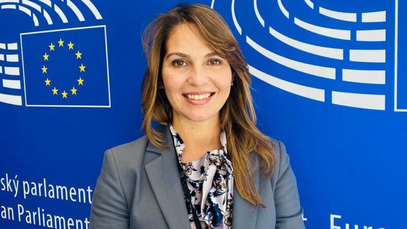 """Approvato Green pass europeo. Annalisa Tardino europarlamentare """"Strumento di armonizzazione delle procedure per viaggiare senza restrizioni durante la pandemia"""""""